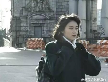 她演《北京人在纽约》走红 因姜文一句话改变一生