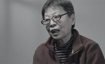 """""""女老虎""""吕锡文被拘前后变化对比画面"""