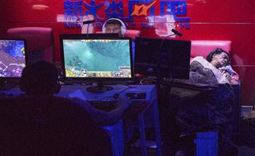 纽约中国城网吧:最像国内城中村的地方