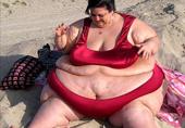 因男友怪癖她增至654斤