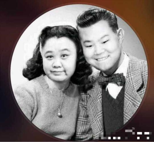 """岳云鹏晒与孙越合照 民国风""""夫妻""""配一脸(图)"""