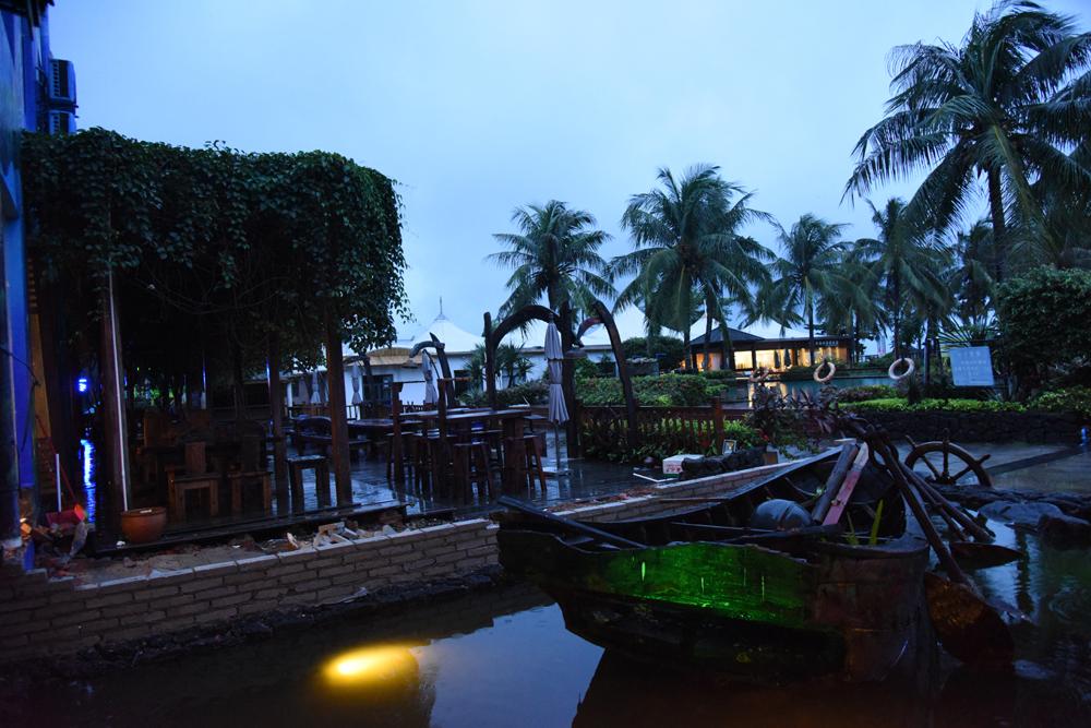 海南 万宁/森林客栈万宁日月湾店外景散发出不一样的海洋文化氛围