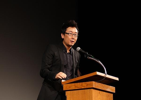 中美电影峰会举行 陆,妻奴婚恋高干川:中国明星打酱油影响电影质量