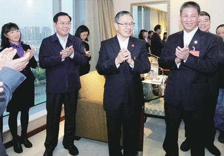 葛长伟、郭锋等清远市领导看望市人大代表、市政协委员