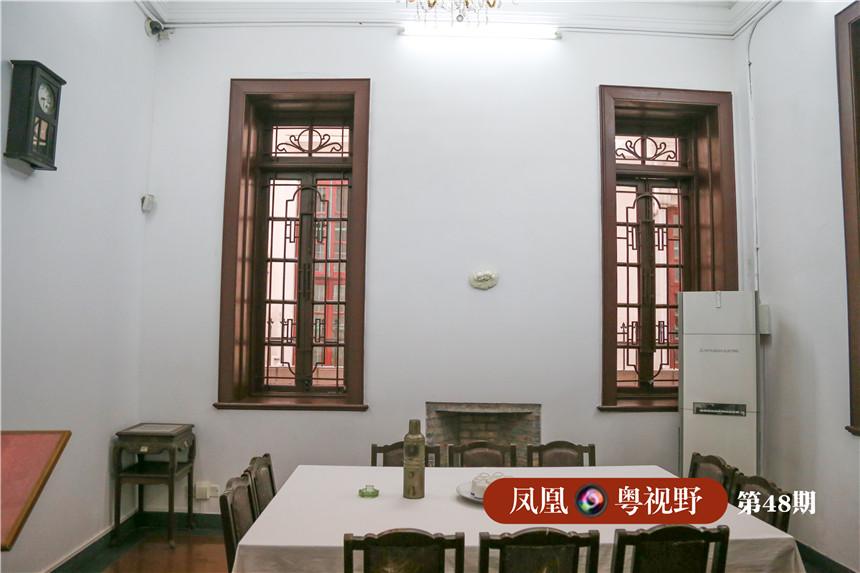 """春园,曾是中共""""三大""""代表居住的地方。1923年6月,中共""""三大""""召开前夕,中共中央机关迁到广州,共产国际代表马林和出席会议的党领导人陈独秀、李大钊、毛泽东、瞿秋白、张太雷、蔡和森、向警予等,就住在春园24号。"""