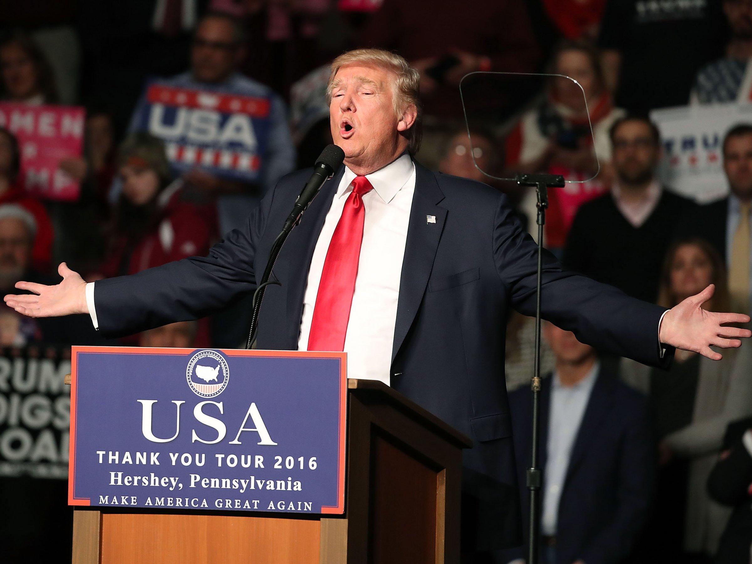 """特朗普的第一把火将烧向华尔街 美联储是""""同伙"""""""