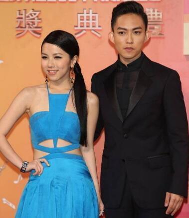 林宥嘉都快结婚了,前女友邓紫棋还在喷他