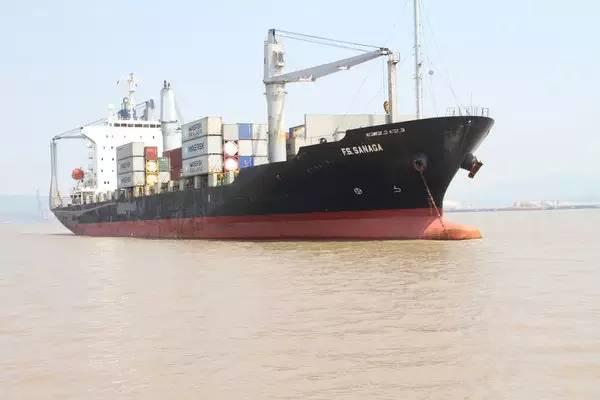 外轮撞沉中国渔船后逃逸  遇难者家属获赔1516万