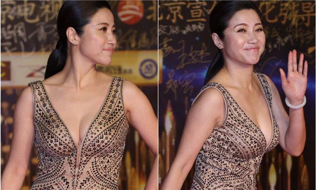 44岁的她至今未婚,穿礼服秀身材艳压刘涛…