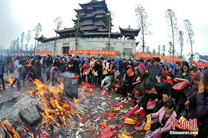 武汉归元寺春节夜间不开放 警方拟投入万余警力保安全