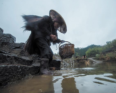 湖南89岁采药师:为找一种山草药 翻好几座山
