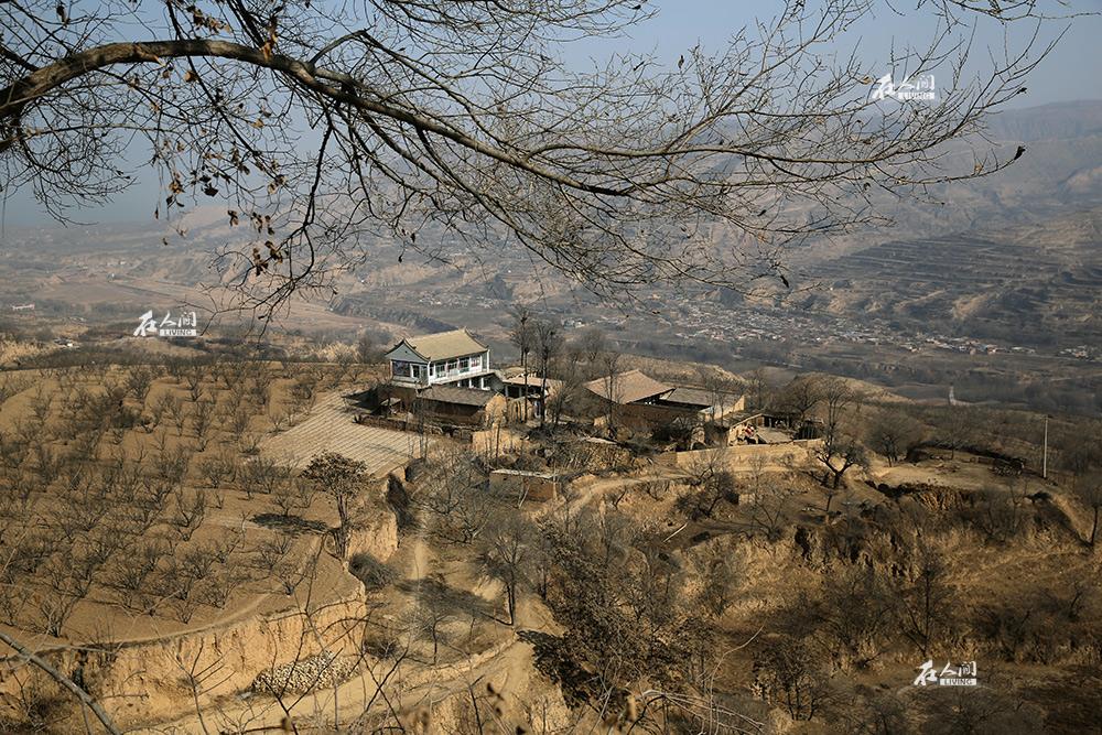 正月初五正逢大伯祭日,我回到了爷爷的老家——积石山县这一片山麓中。算起来,我的祖籍便该在这里了。