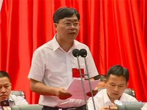 峡江县县长郑军平资料图