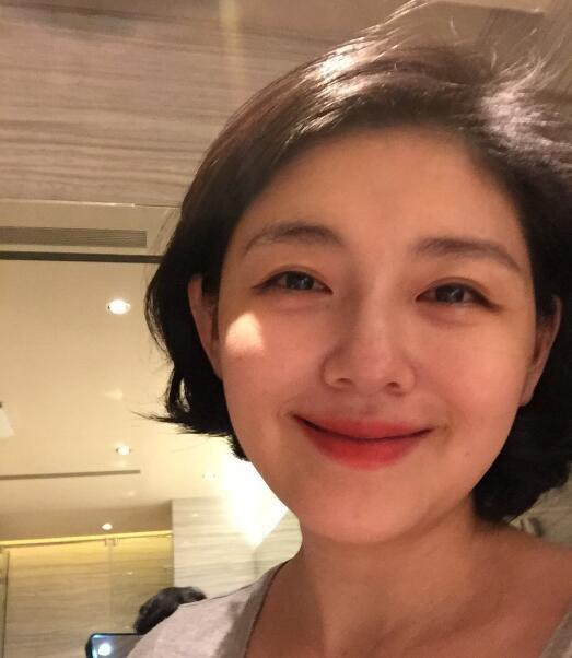 大S疑评论郑爽小号事件:取舍两难的选择