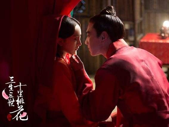 """杨幂自称想当""""蒜香芭比""""? 拍吻戏要注意这些事"""