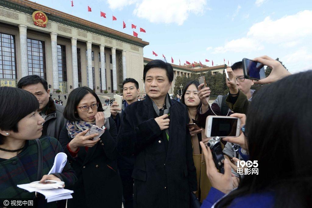 崔永元呼吁抵制劣质电影:现在观众看得还特激动