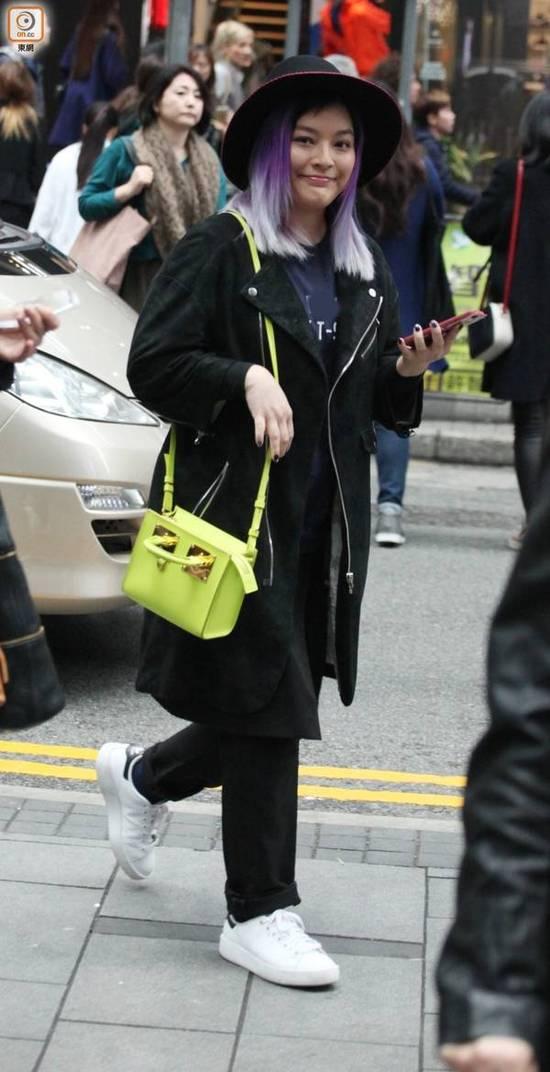 37岁香港女星得怪病 手指肿到如同小萝卜