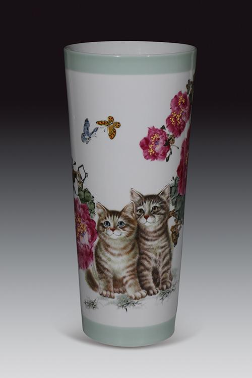 """中国陶瓷设计艺术大师朱辉球:专注于动物题材成就陶艺界的""""猫王"""""""
