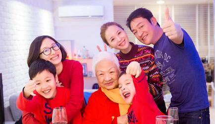 马景涛被曝因家暴离婚:喝醉就打人 醒了就跪着求饶