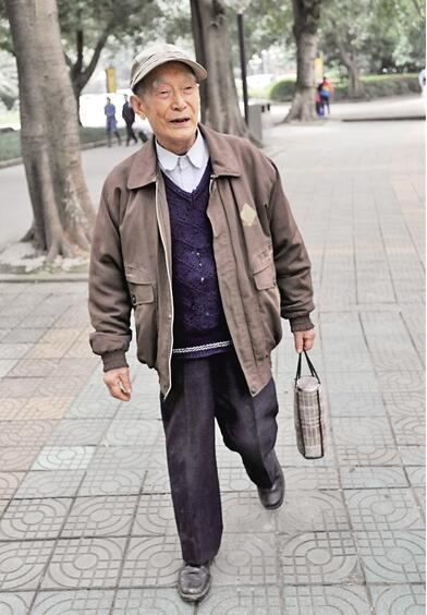 心系老妪翁 引吭夕阳红 - wangxiaochun1942 - 不争春