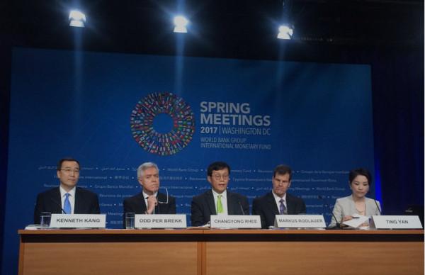 IMF亚太副总裁:开征房产税可让中国楼市降温(图)