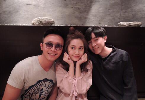 杨丞琳晒与朋友合照 网友重点都在吴青峰
