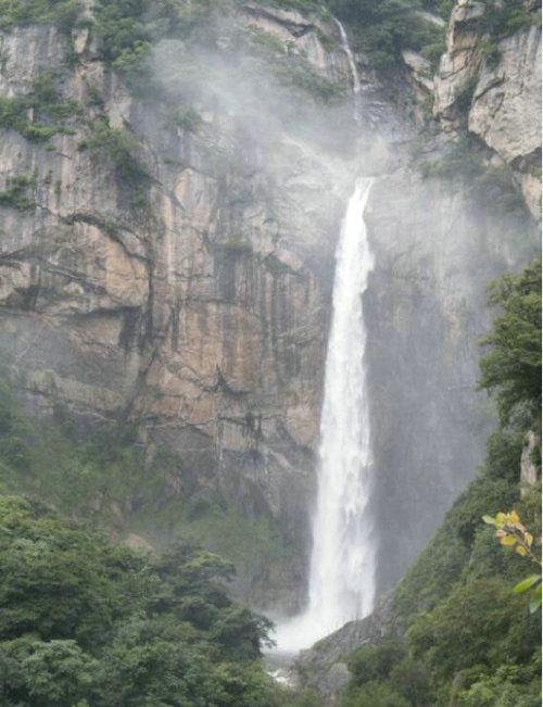 壁纸 风景 旅游 瀑布 山水 桌面 500_651 竖版 竖屏 手机