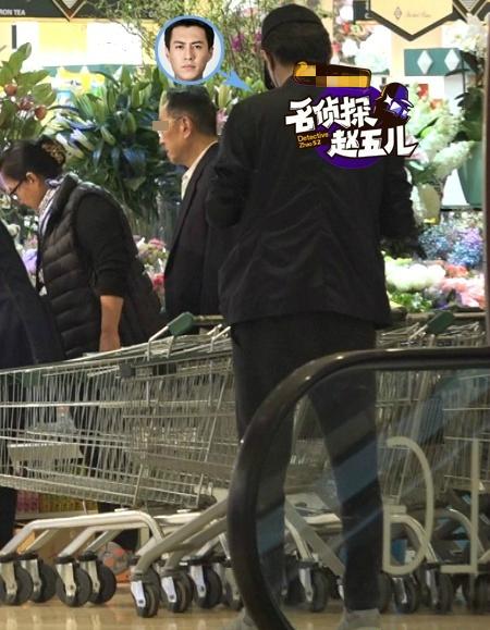 靳东和老婆结婚照图