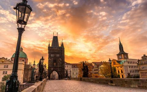 """在""""布拉格广场""""吃午餐 哈尔滨将开直飞捷克航线"""