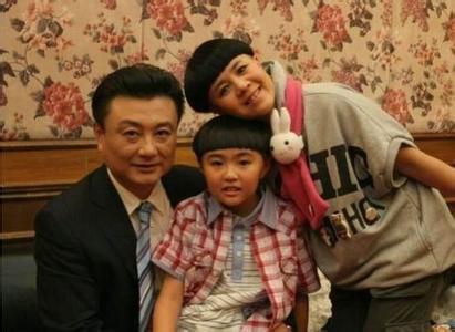 """""""国脸""""王宁告别新闻联播主播台 金龟子感慨平淡是真"""