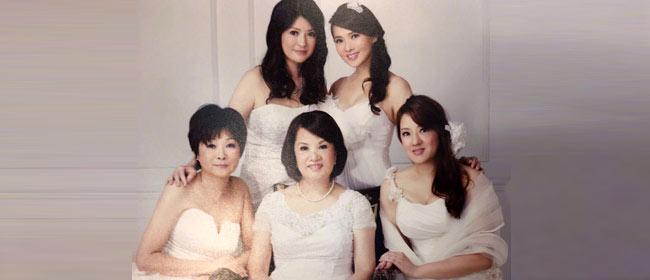 伊能静晒四姐妹与妈妈合影 一家女将个个貌美
