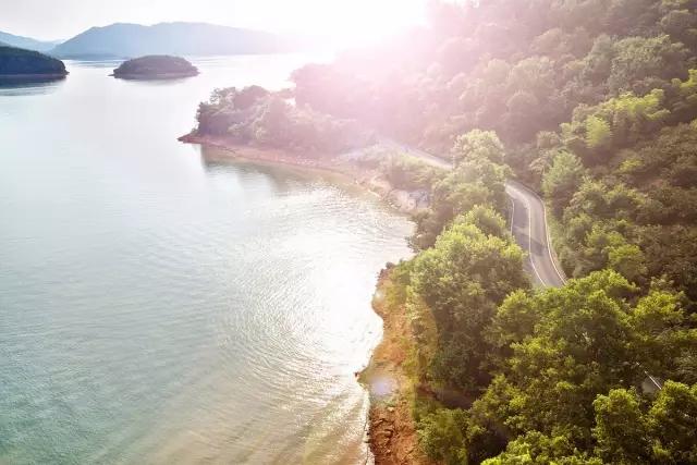 于是又有了山水间·千岛湖.