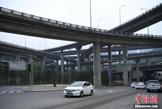 """被誉为""""重庆主城最复杂立交"""".陈超摄-重庆现 最复杂立交桥"""