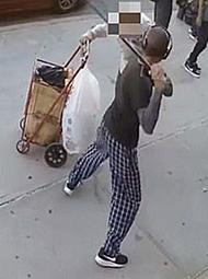 90岁老人在街头遭路人暴打头部