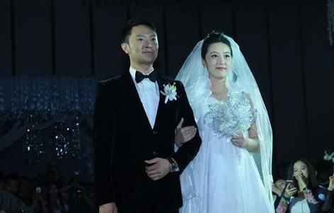 印小天被曝遭妻子骗婚 女方学历家世疑造假