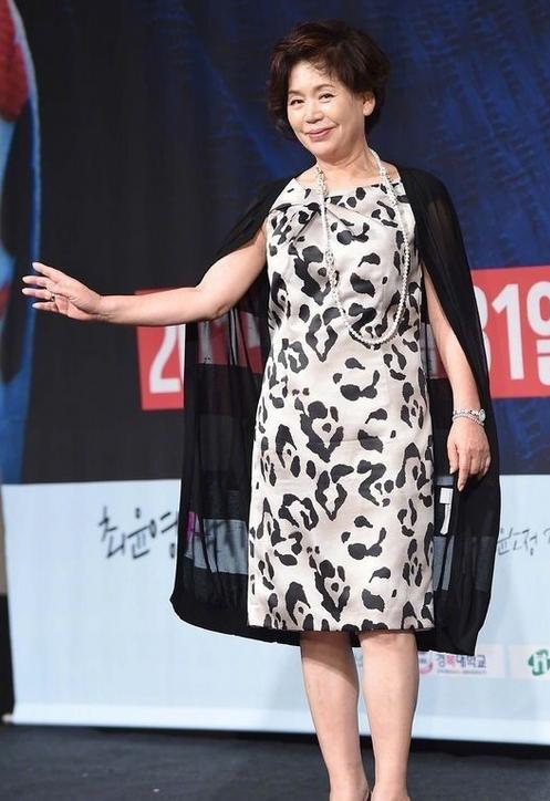 韩国演员尹素贞因病去世 《我的野蛮女友》成遗作