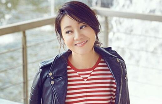 """闫妮饰演霸气的""""地主婆"""" 首次与女儿大银幕合作"""