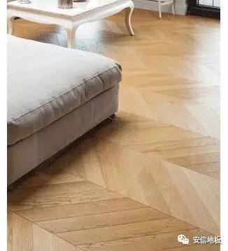 安信地板,优衣库,鱼骨拼地板