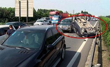 老司机提醒:高速上开车一定要记住这3点!