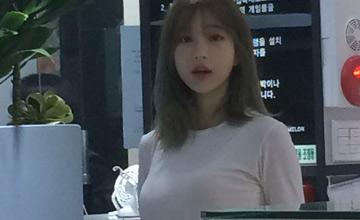 韩国一家网吧请了位女网管 然后生意超火爆