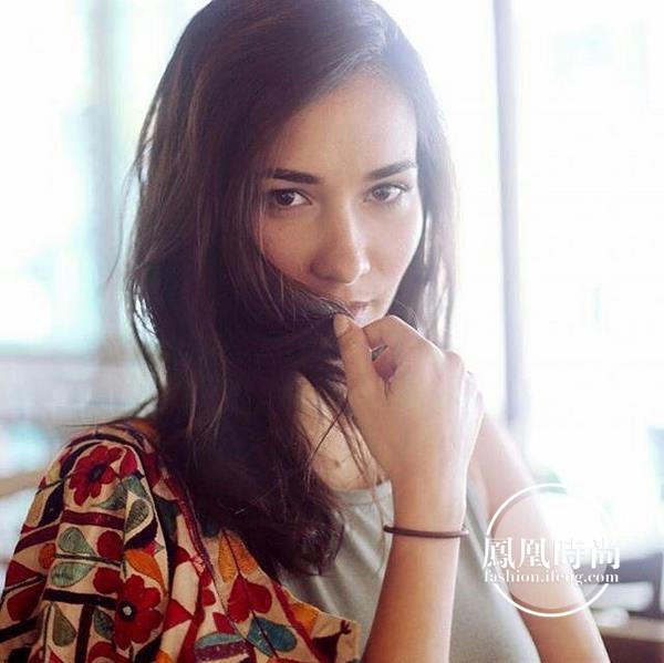"""喜极而泣 32岁的她成了""""吴京的女人"""""""