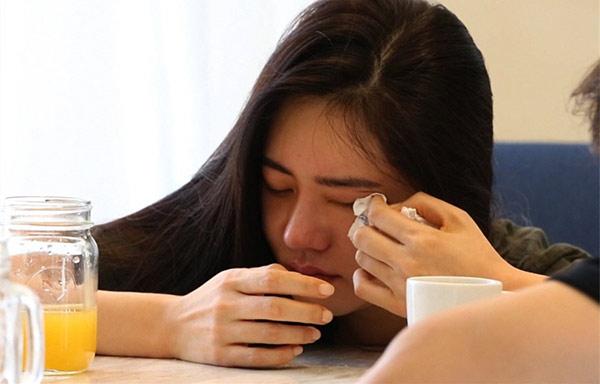 新婚就面临分离!秋瓷炫抱老公哭成泪人