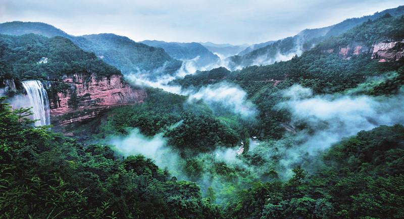 """8月26日至28日,""""第十届东方爱情节""""将在重庆市江津区四面山景区举行."""