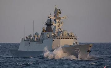 乘风破浪霸气威武 俄罗斯摄影师镜头下的中国战舰