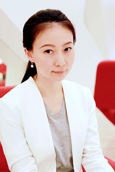 凤凰卫视主持人刘芳私家相册图片