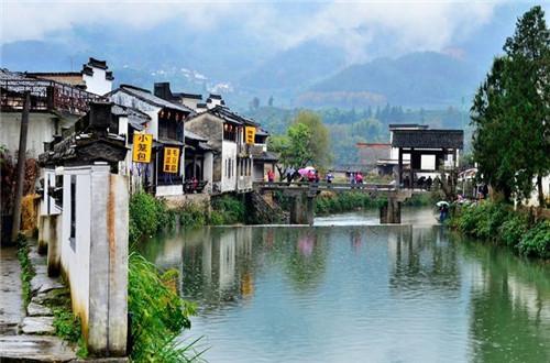 旅游  呈坎古镇(图片来源于网络) 黄山·西递镇 西递镇,别称