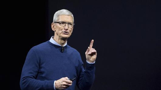 库克为高价iPhone辩驳:并非所有苹果产品都针对富人推出