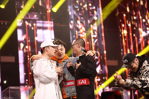 《中国有嘻哈》双冠军!总制作人陈伟回应:天意