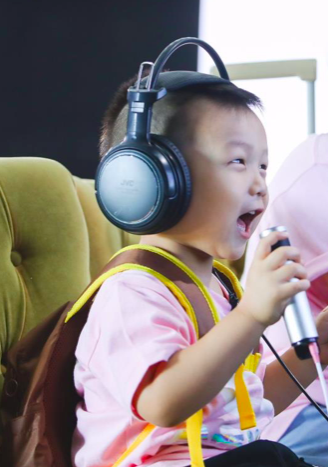 《不可思议的妈妈》主题音乐发布 何洁回忆生子甜蜜