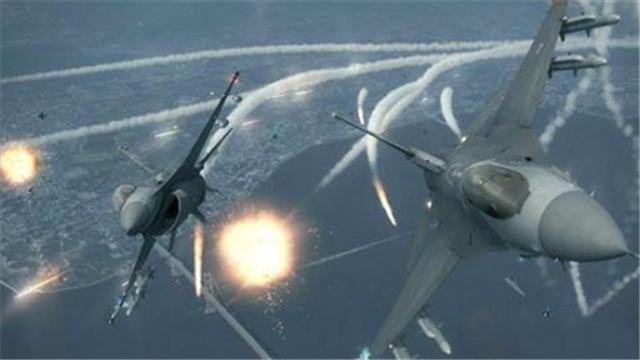 视频:惊险画面!实拍飞机降落瞬间被大风吹歪
